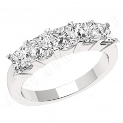 JE310W - 18ct white gold ring with 5 princess cut diamonds in a claw setting